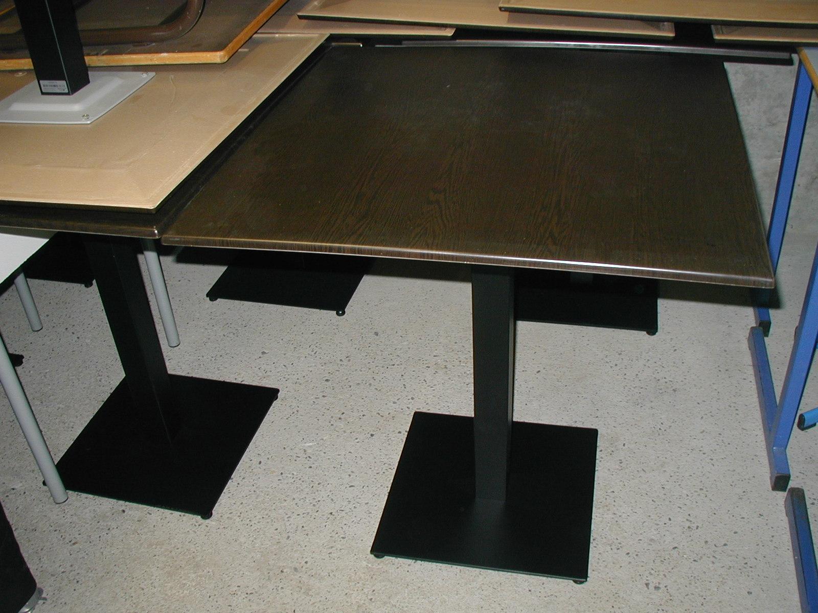 Tables de restaurants table d 39 occasion aux ench res - Table de restaurant occasion a vendre ...