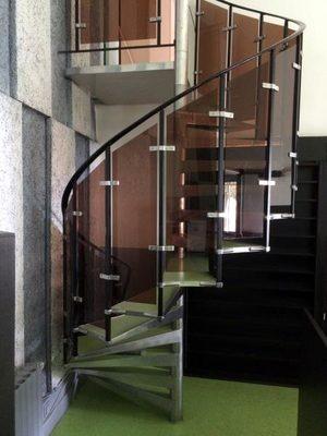 escalier colimacon autres d 39 occasion aux ench res agorastore. Black Bedroom Furniture Sets. Home Design Ideas