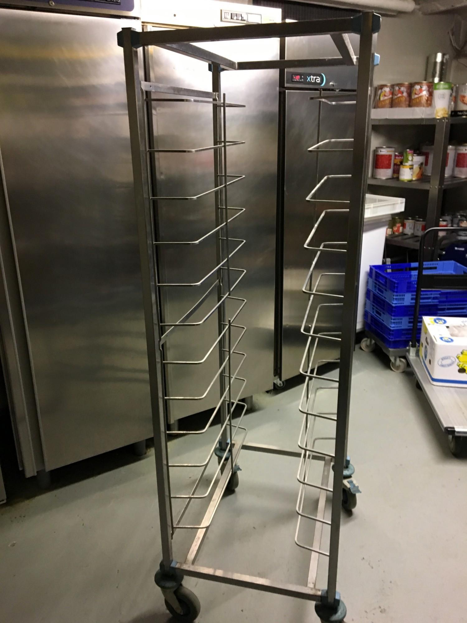 Echelle de d barassage equipement de cuisine d 39 occasion for Echelle de cuisine