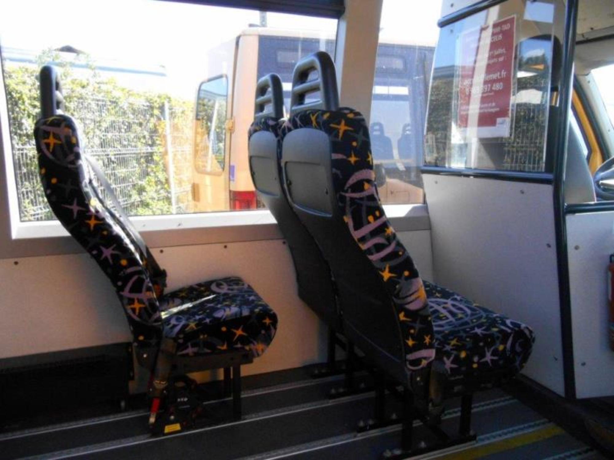 minibus citroen tpmr 0483 car bus d 39 occasion aux ench res agorastore. Black Bedroom Furniture Sets. Home Design Ideas
