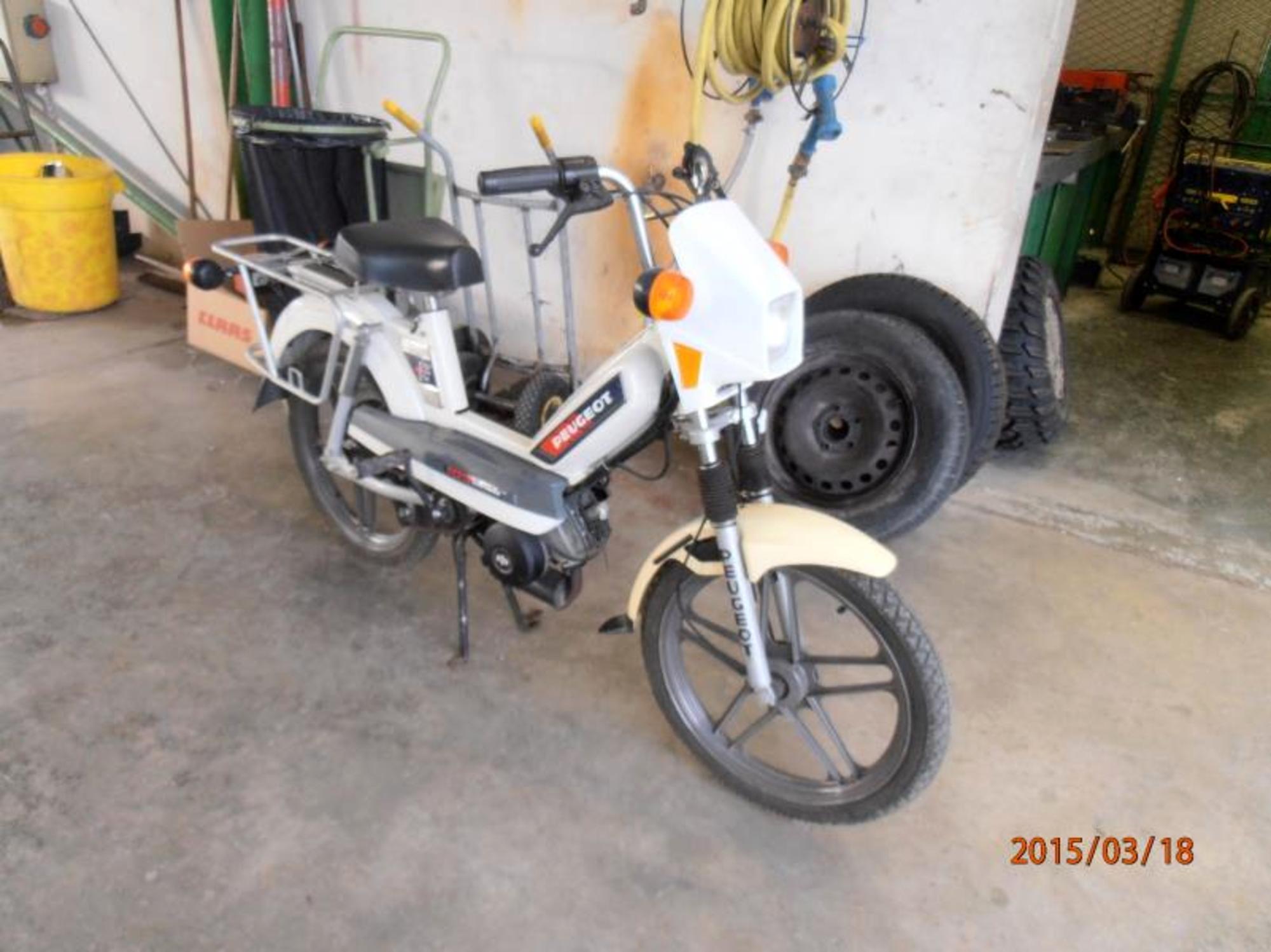 cyclomoteur peugeot 103 spx electronic moto scooter 2 roues d 39 occasion aux ench res. Black Bedroom Furniture Sets. Home Design Ideas