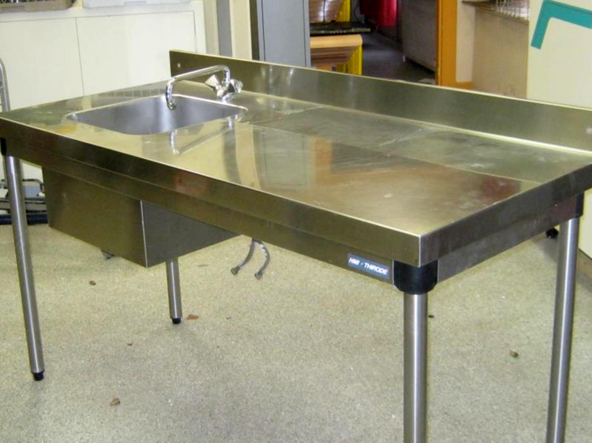 Bac plonge inox robinet equipement de cuisine d for Plonge inox cuisine