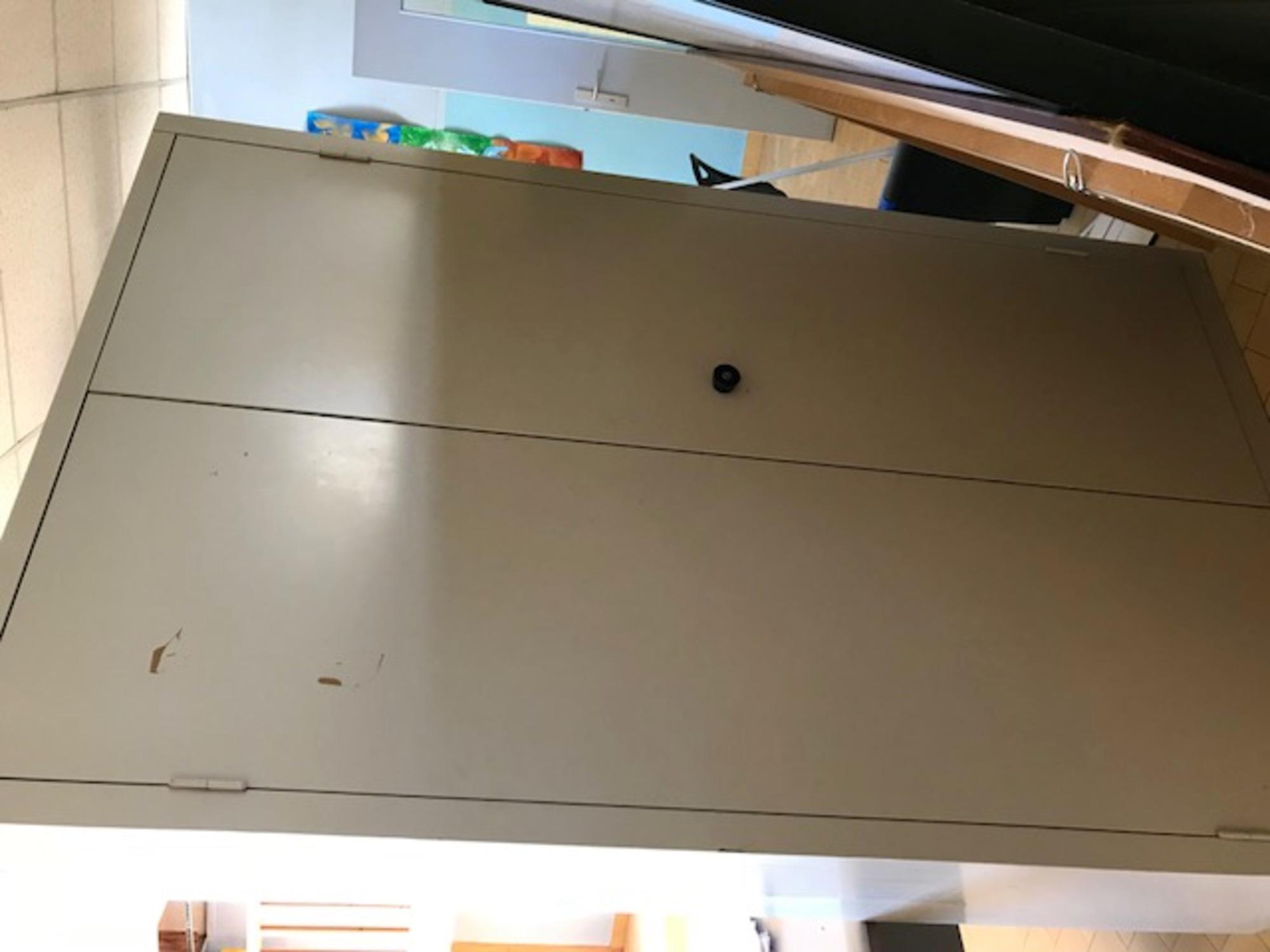armoire m tallique 2 portes rangement d 39 occasion aux. Black Bedroom Furniture Sets. Home Design Ideas