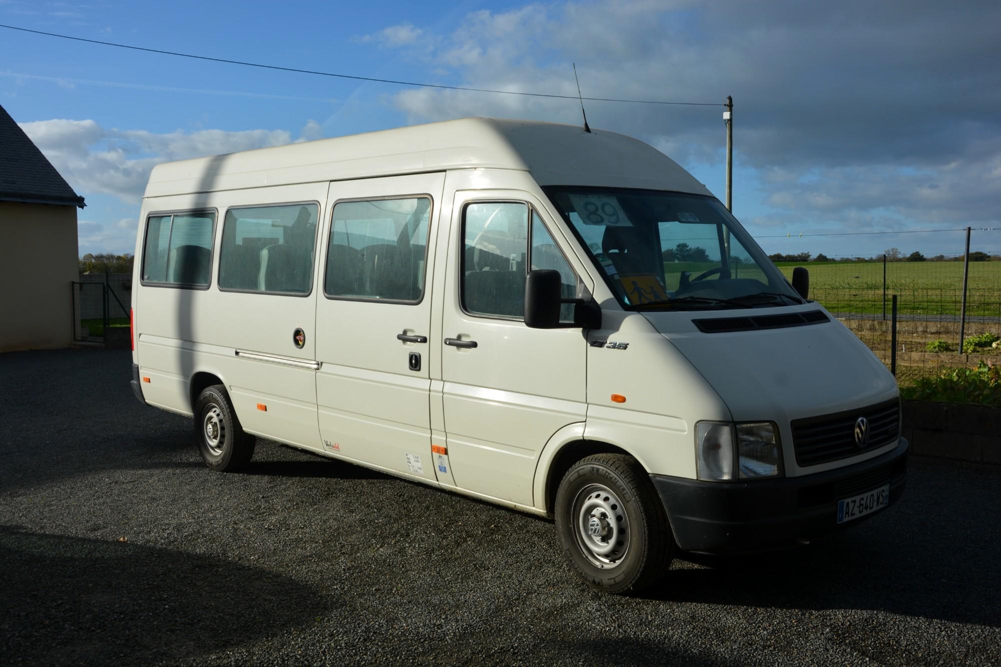 mini bus 18 places car bus d 39 occasion aux ench res agorastore. Black Bedroom Furniture Sets. Home Design Ideas