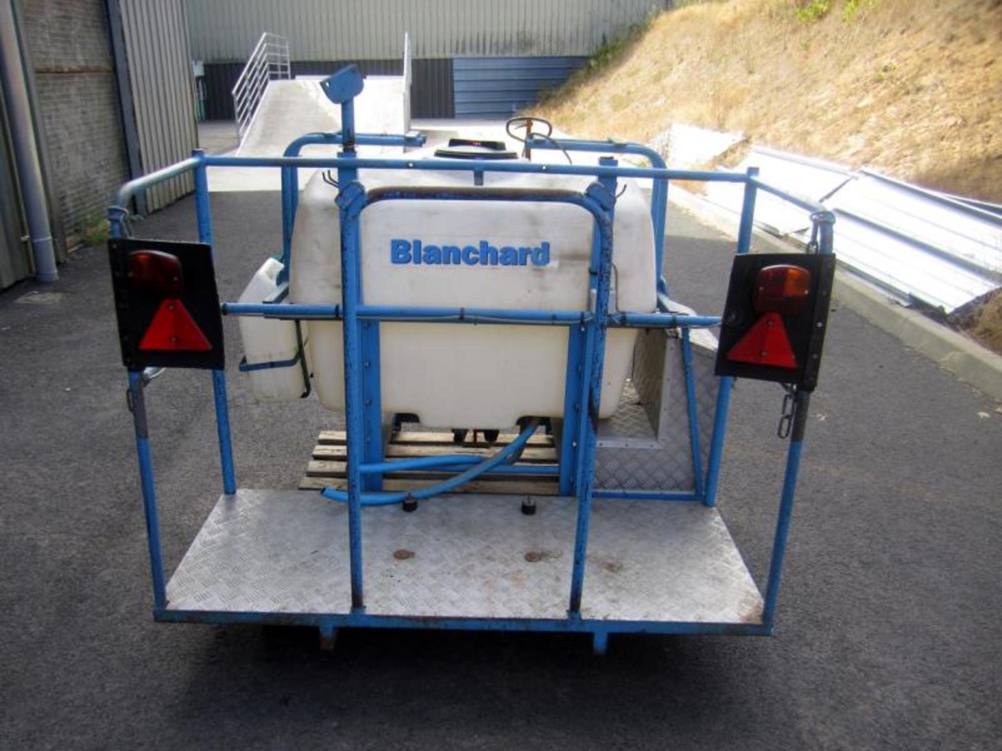 Pulv risateur 400 litres pm 60 blanchard n 2700 for Espace vert 51