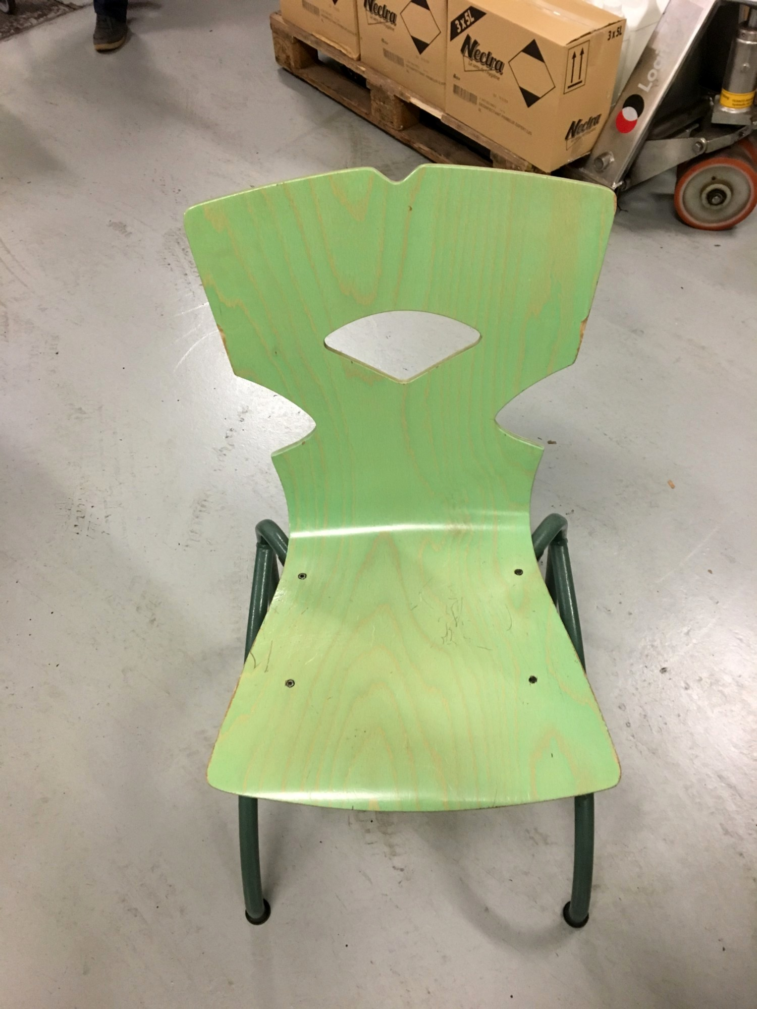 tables de restaurant et chaises table d 39 occasion aux ench res agorastore. Black Bedroom Furniture Sets. Home Design Ideas