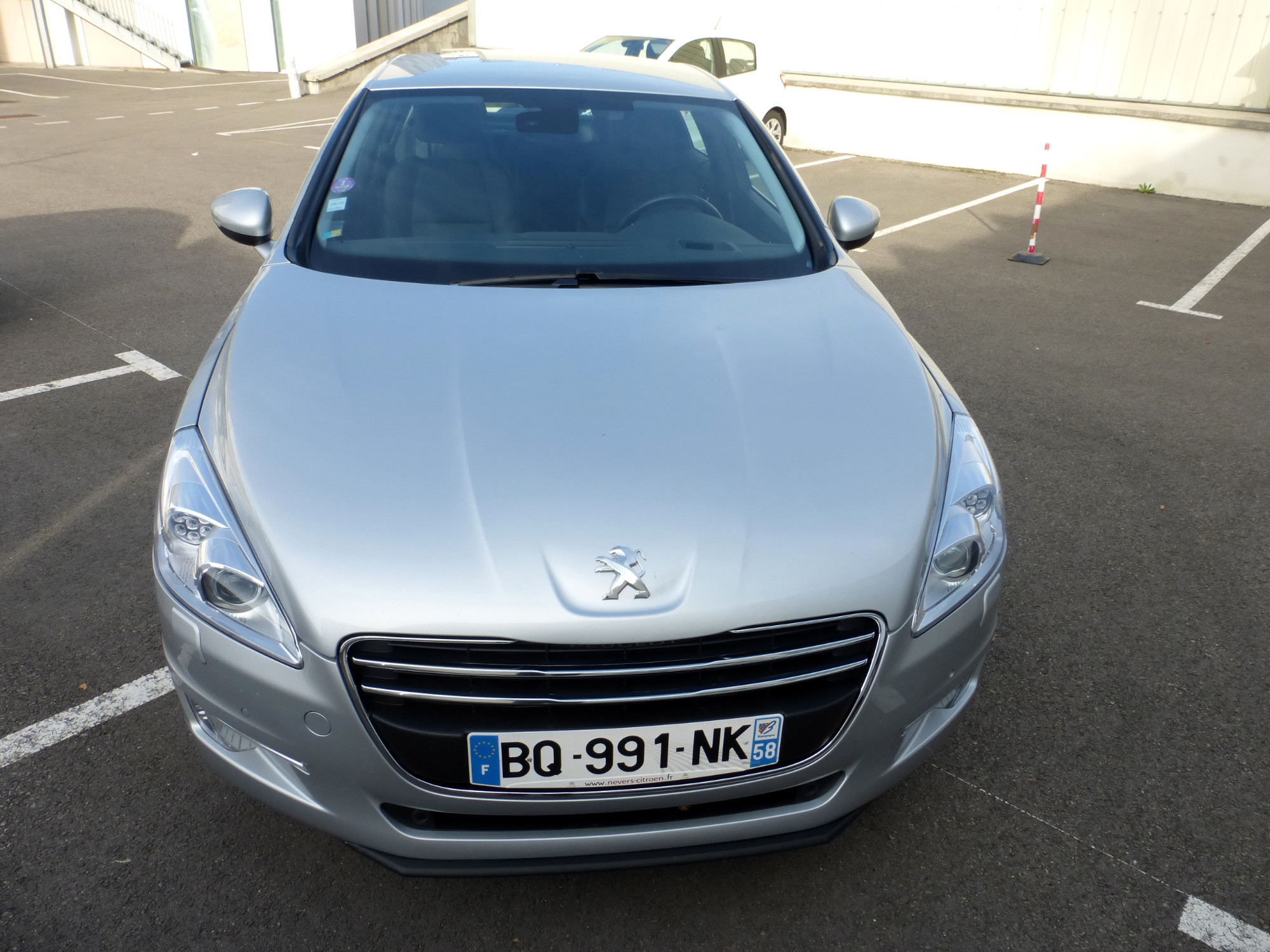 Peugeot 508 1 6 thp 16v voiture d 39 occasion aux ench res for Garage peugeot nevers