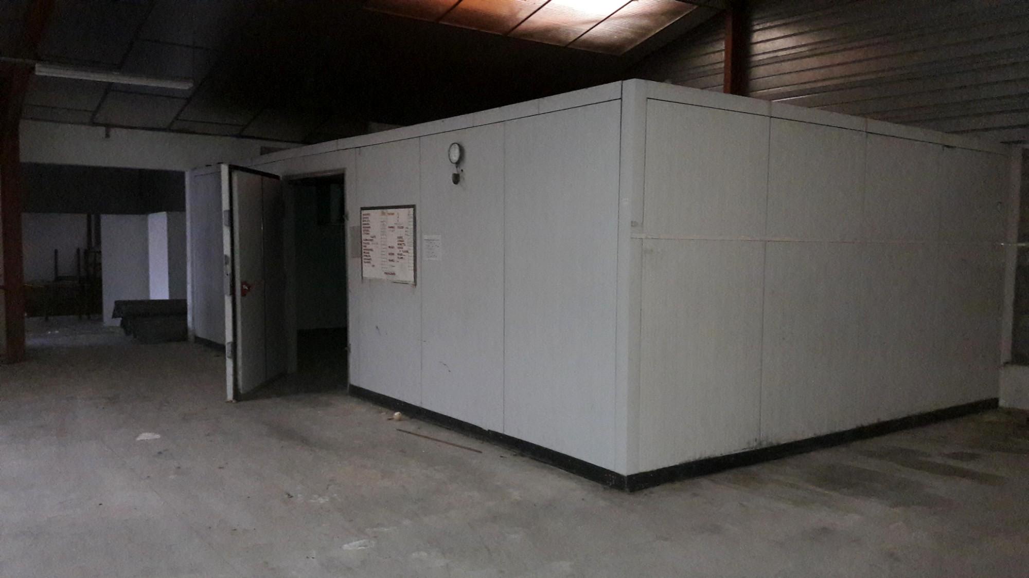 Chambre froide equipement de cuisine d 39 occasion aux for Equipement de cuisine