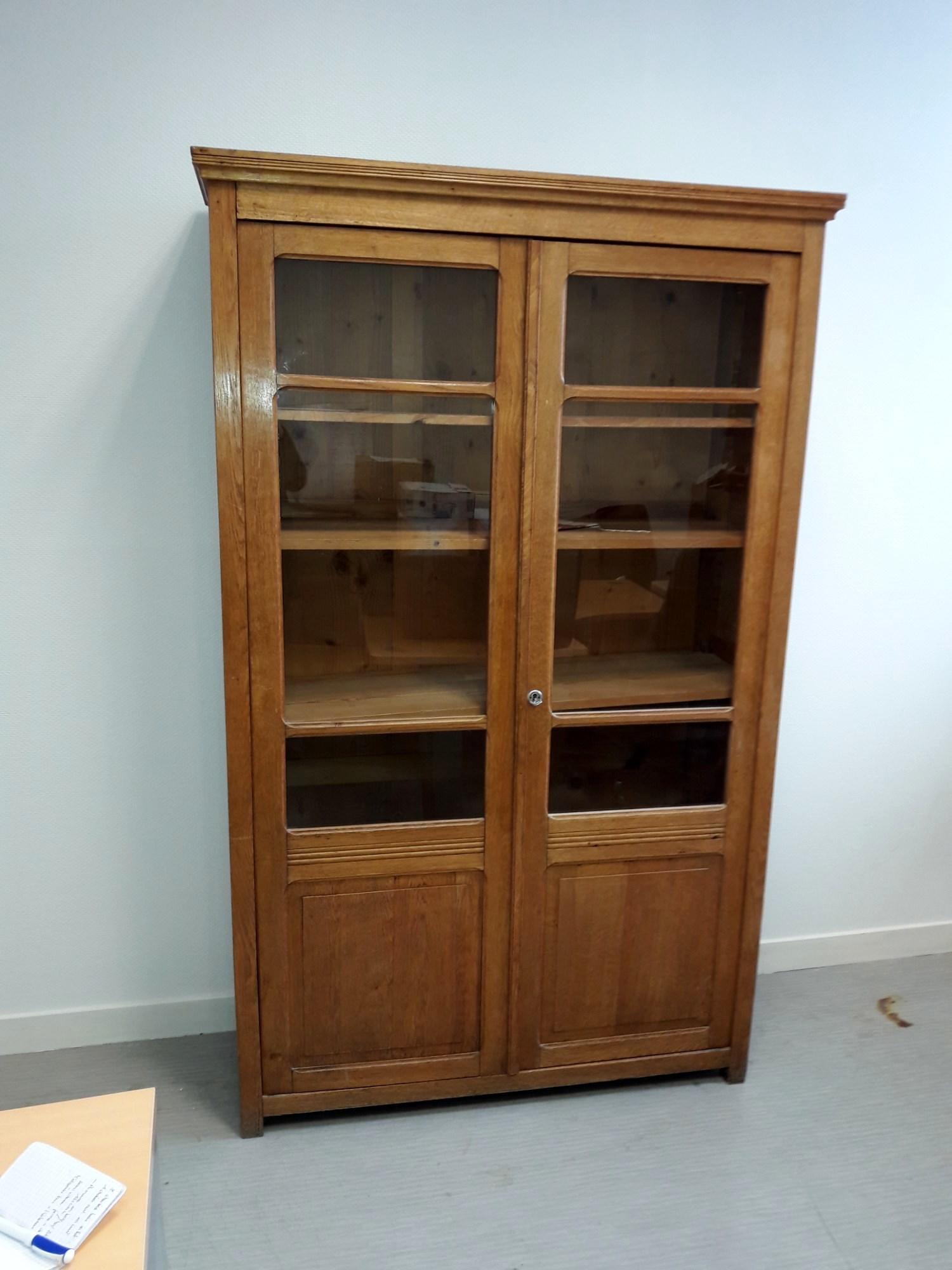 armoire biblioth que bois rangement d 39 occasion aux ench res agorastore. Black Bedroom Furniture Sets. Home Design Ideas