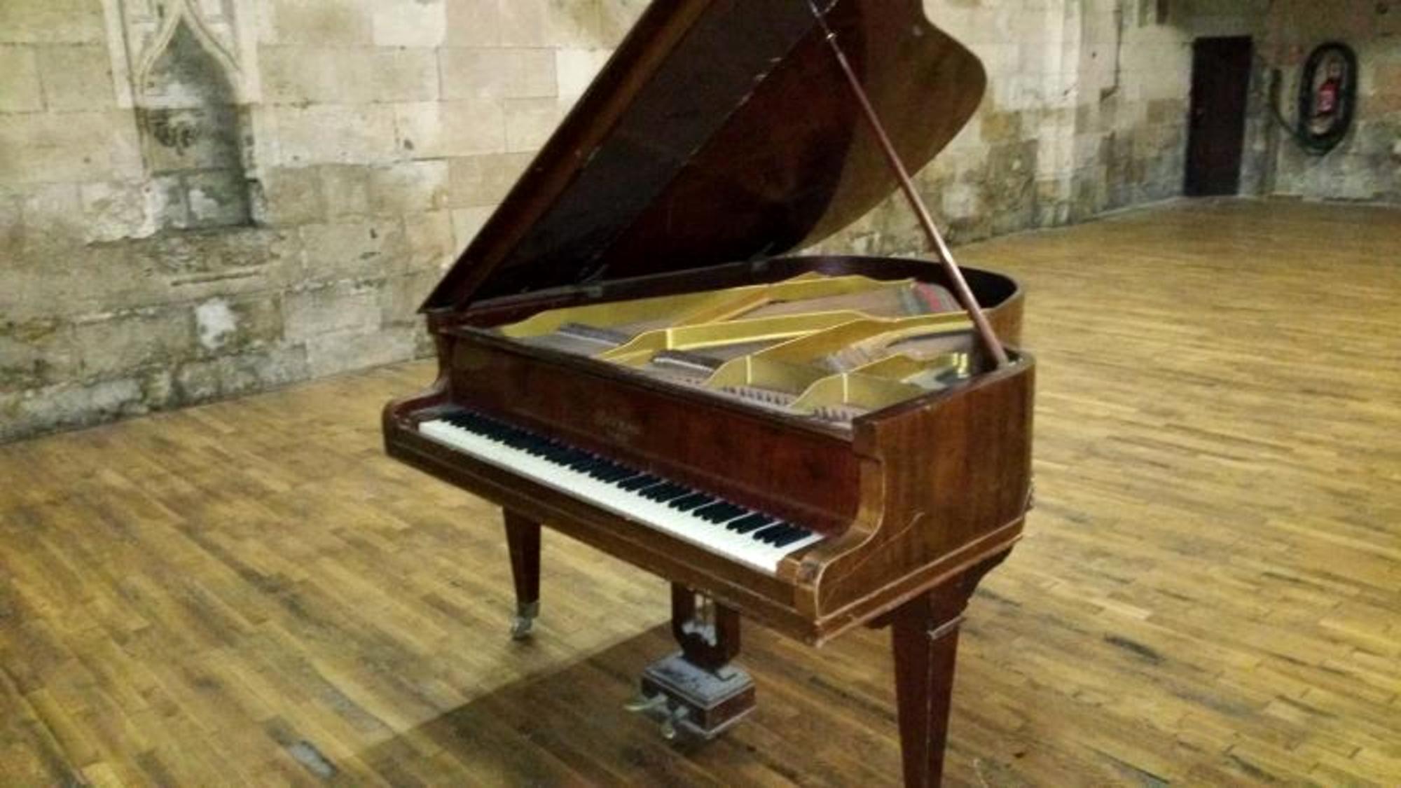 Piano A 1 4 Queue Gaveau Musique D Occasion Aux Ench Res Agorastore
