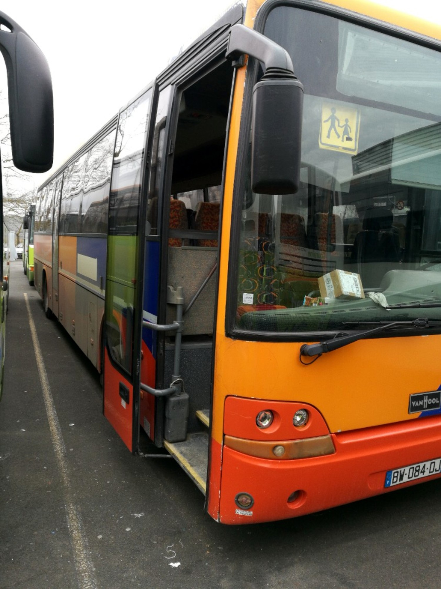 vanhool 915sc2 11177 car bus d 39 occasion aux ench res agorastore. Black Bedroom Furniture Sets. Home Design Ideas
