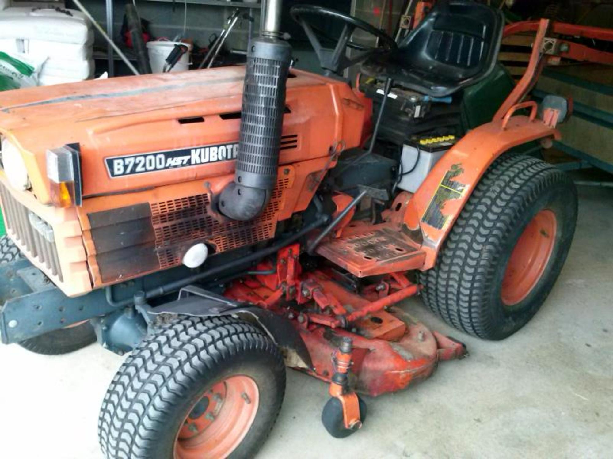 tracteur kubota b 7200 hst - 17 cv  avec tondeuse  - tracteur d u0026 39 occasion aux ench u00e8res