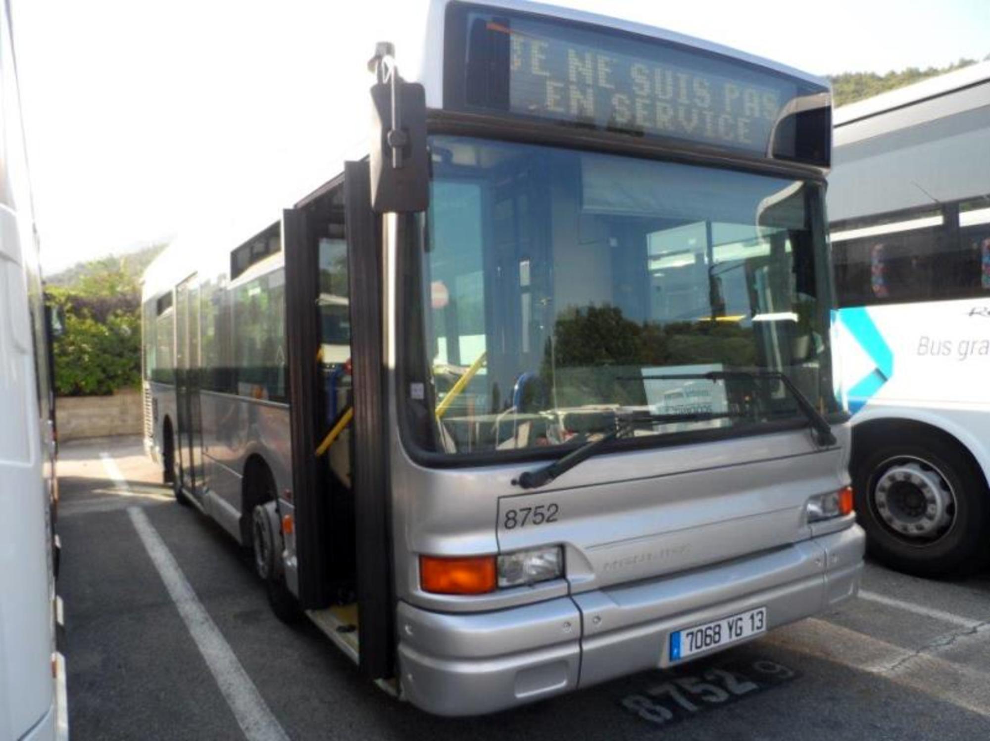 gx117 heuliez 70789 8752 car bus d 39 occasion aux ench res agorastore. Black Bedroom Furniture Sets. Home Design Ideas