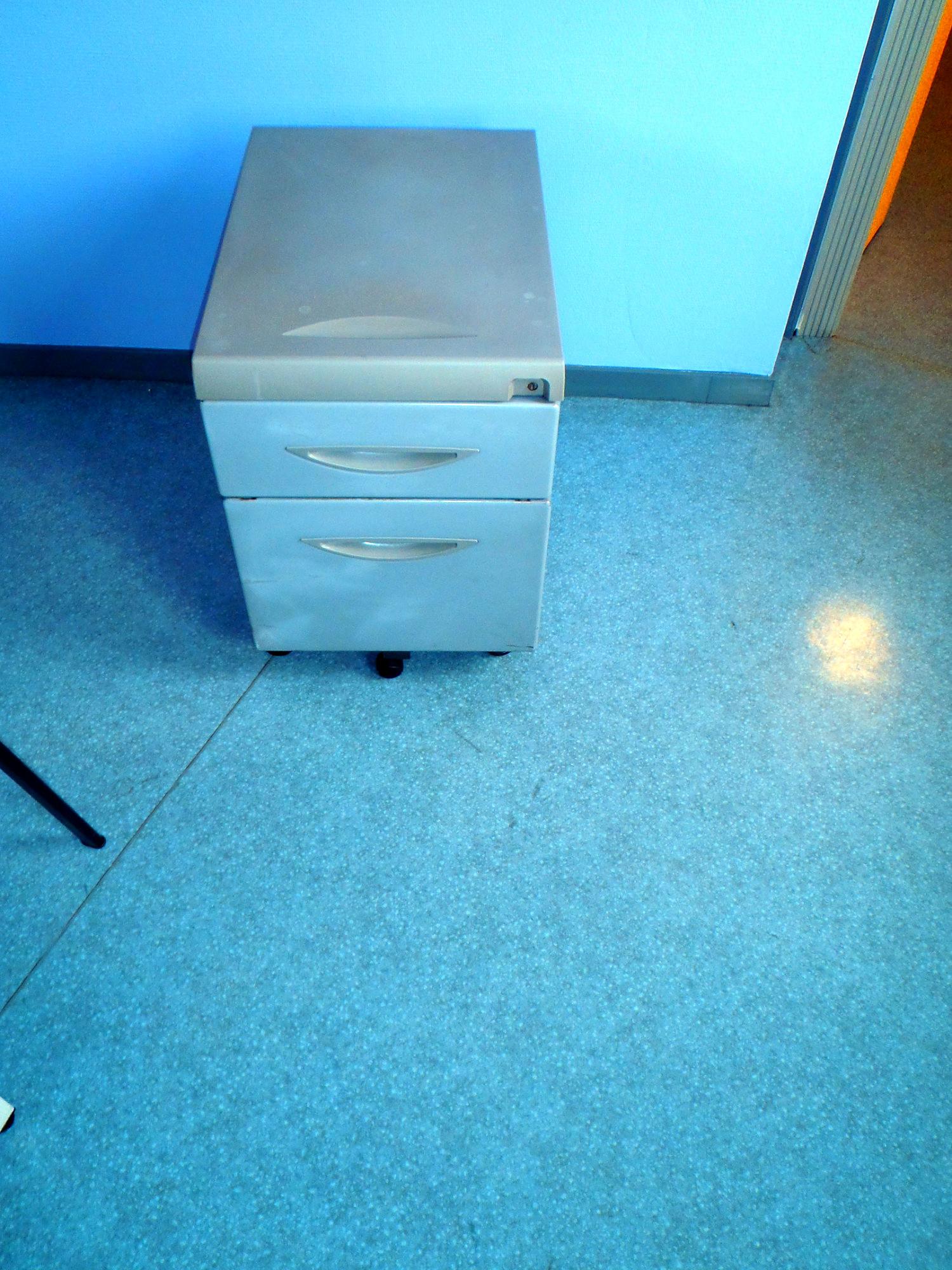 caisson a roulettes 2 tiroirs pmscran01 bureau d. Black Bedroom Furniture Sets. Home Design Ideas