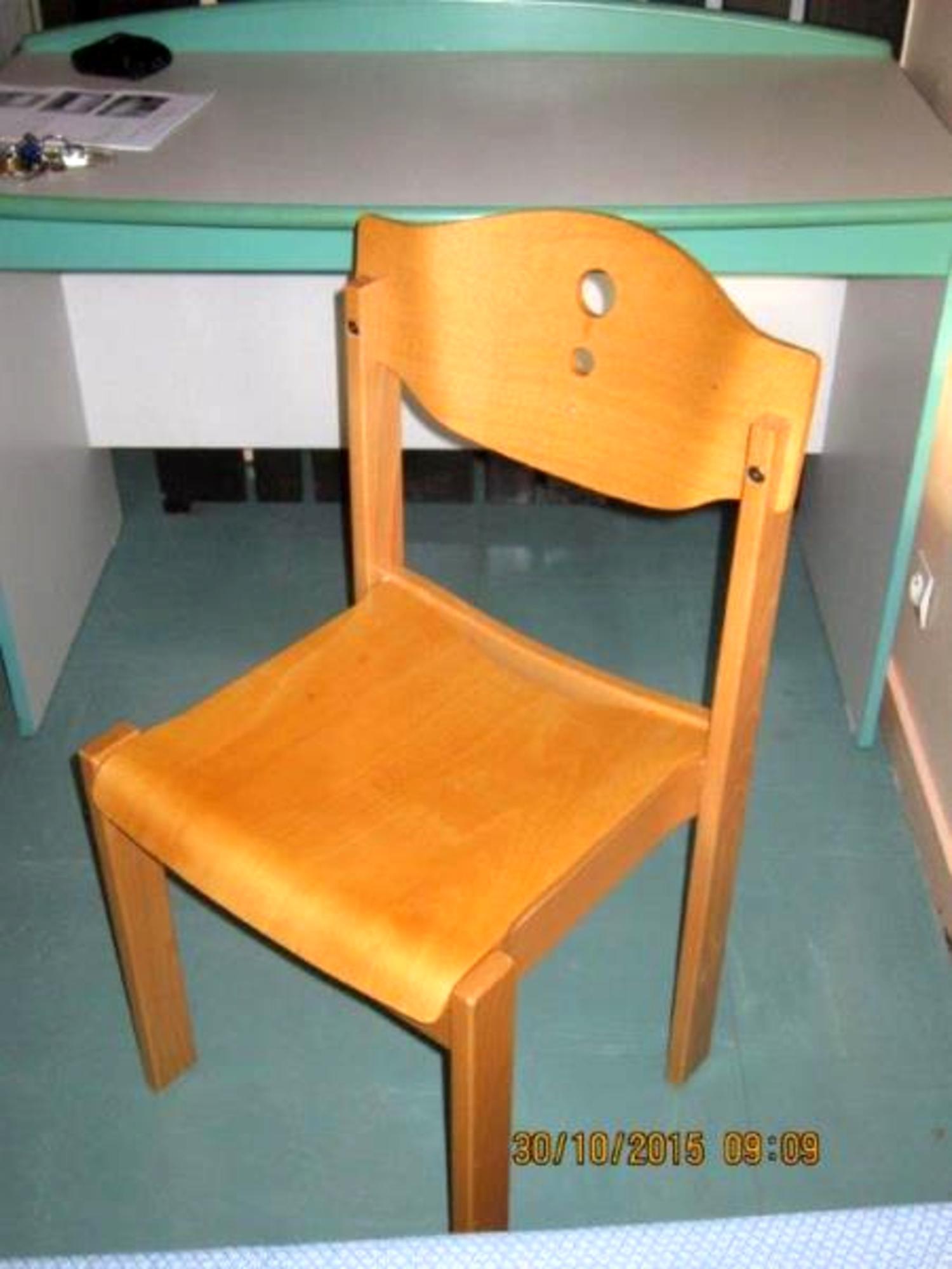 lot de 6 chaises en bois chaise d 39 occasion aux ench res agorastore. Black Bedroom Furniture Sets. Home Design Ideas