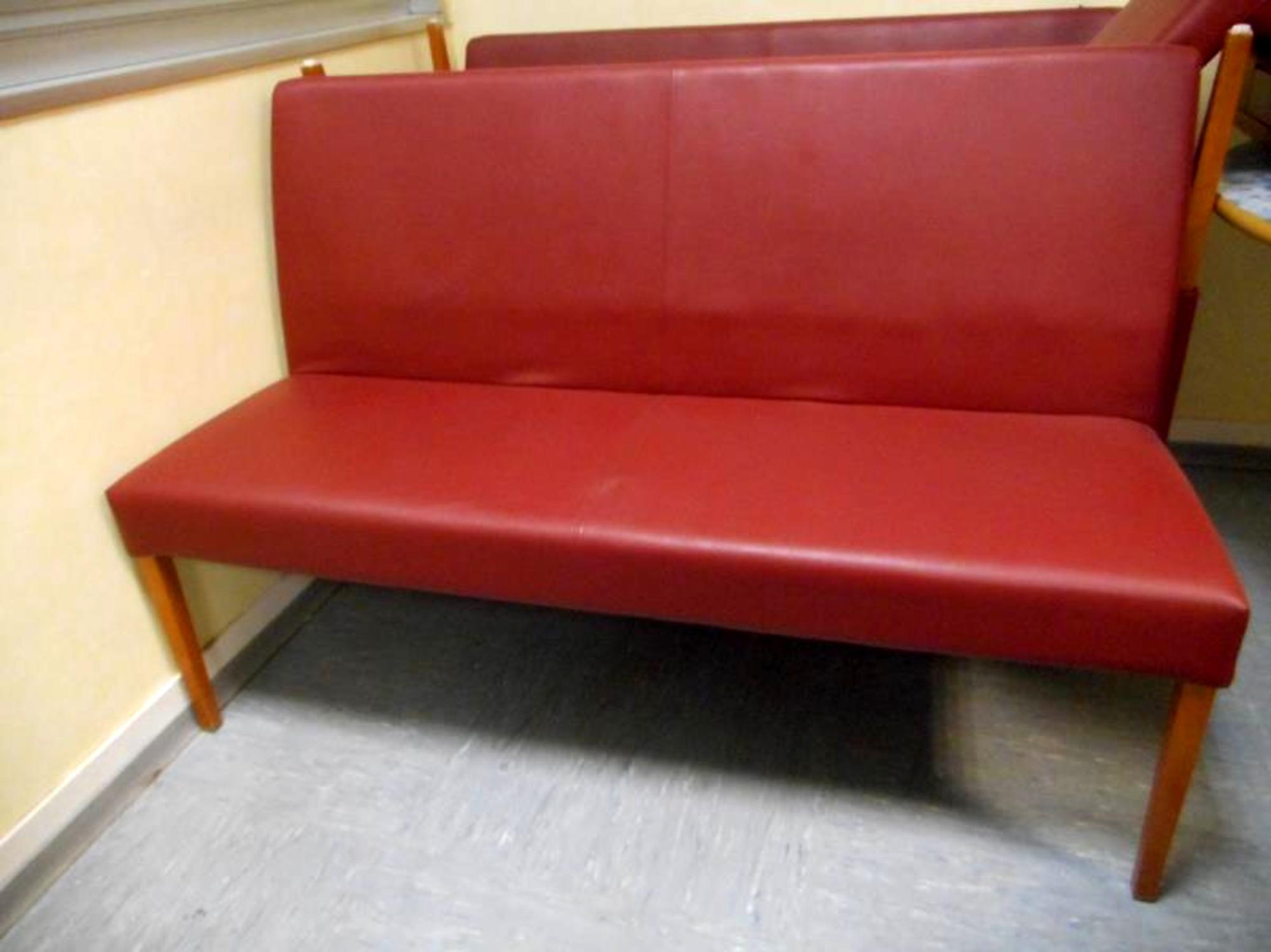 banquette de restaurant en lot de 2 unit s chaise d 39 occasion aux ench res agorastore. Black Bedroom Furniture Sets. Home Design Ideas