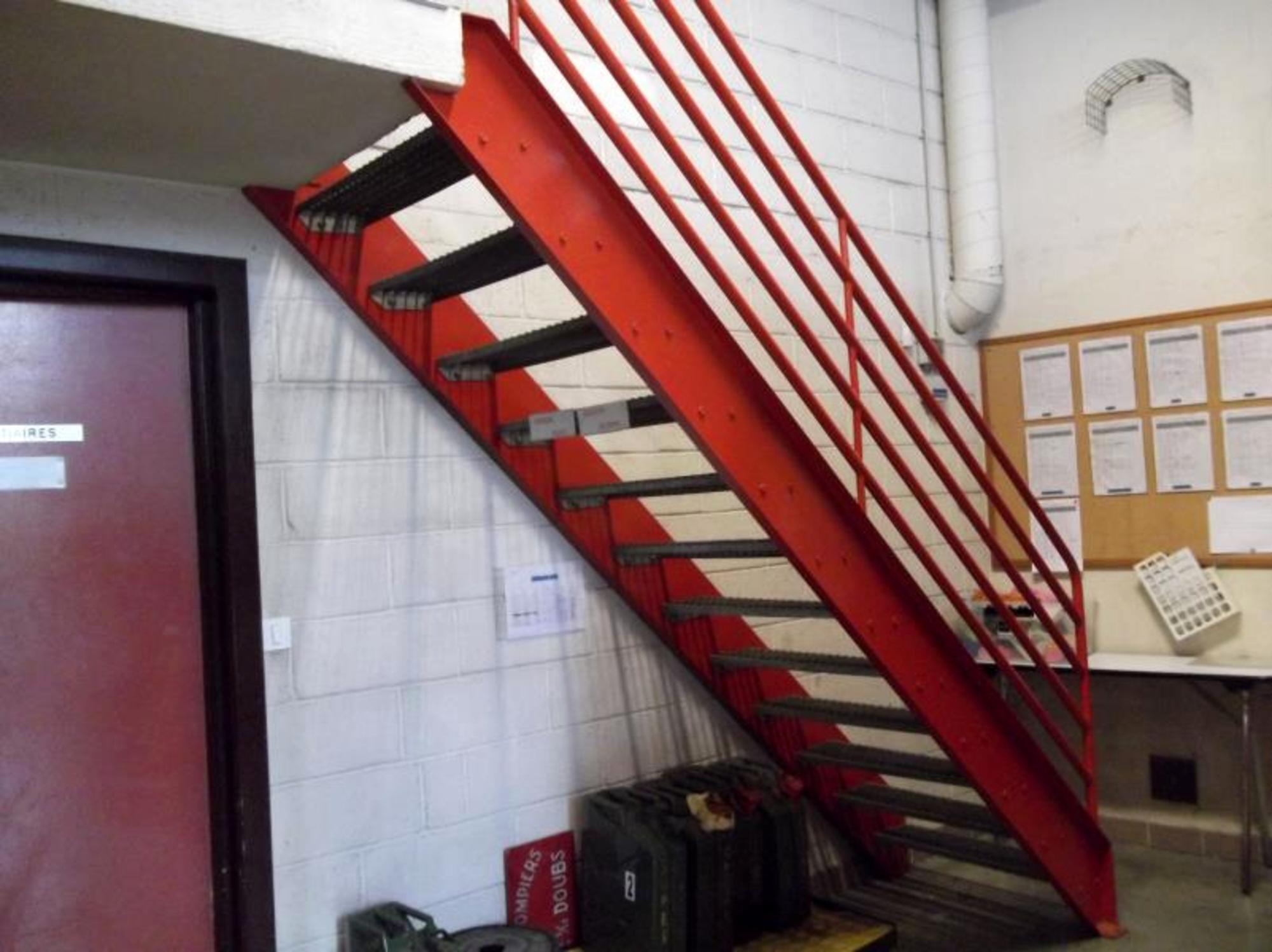 Escalier En Caillebotis Métallique intérieur 1 escalier métallique avec marche caillebotis et rampe garde corps