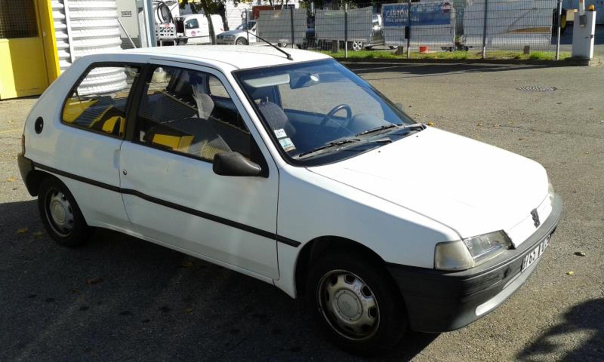 Peugeot 106 voiture d 39 occasion aux ench res agorastore - Controle technique portes les valence ...