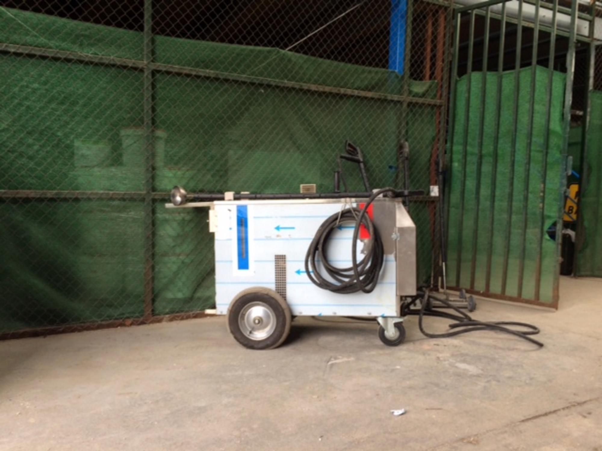 Desherbeuse a vapeur seche auxigreen entretien espace for Espace vert 78