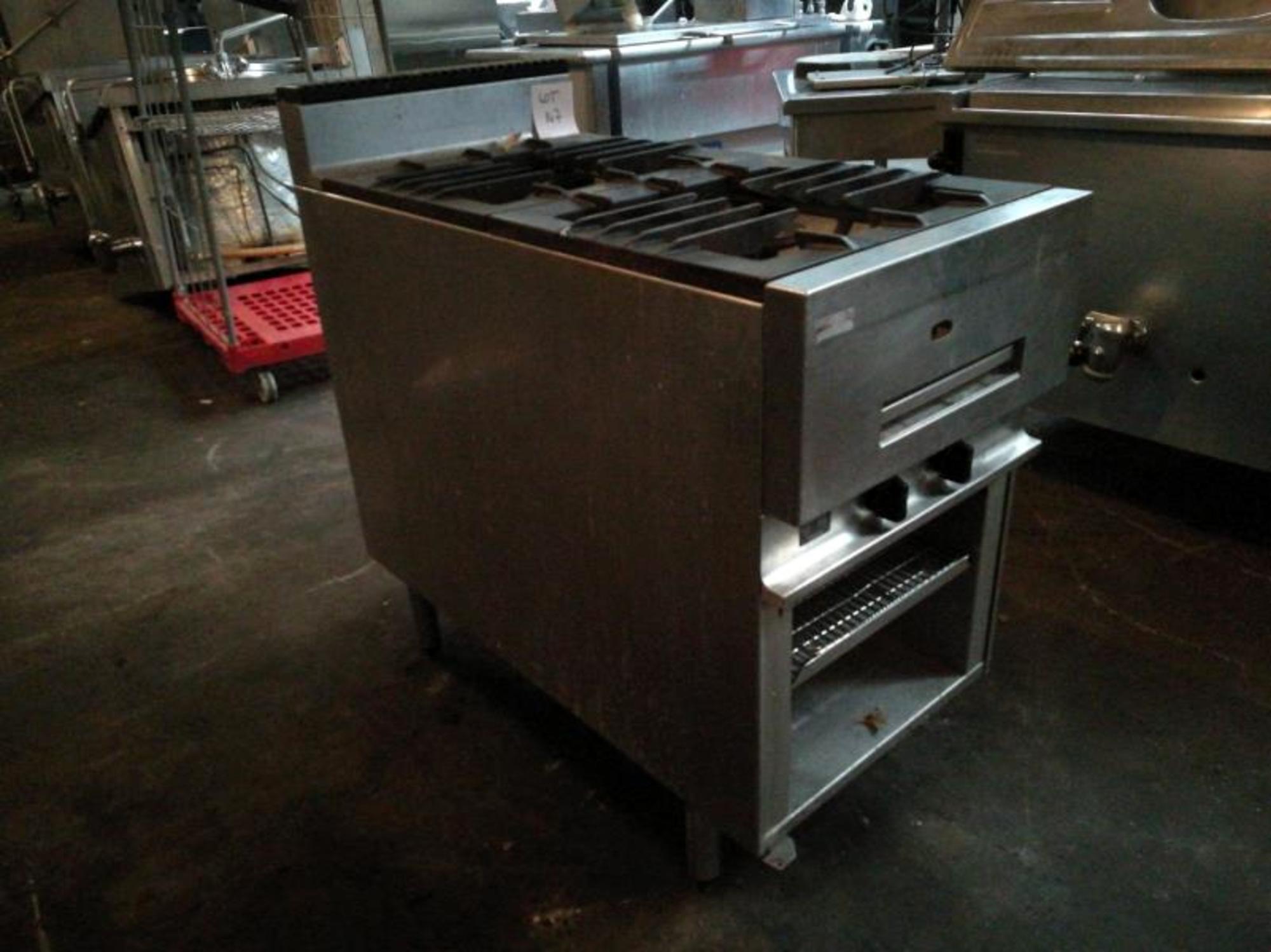 Piano de cuisson lot 147 equipement de cuisine d for Piano de cuisine d occasion