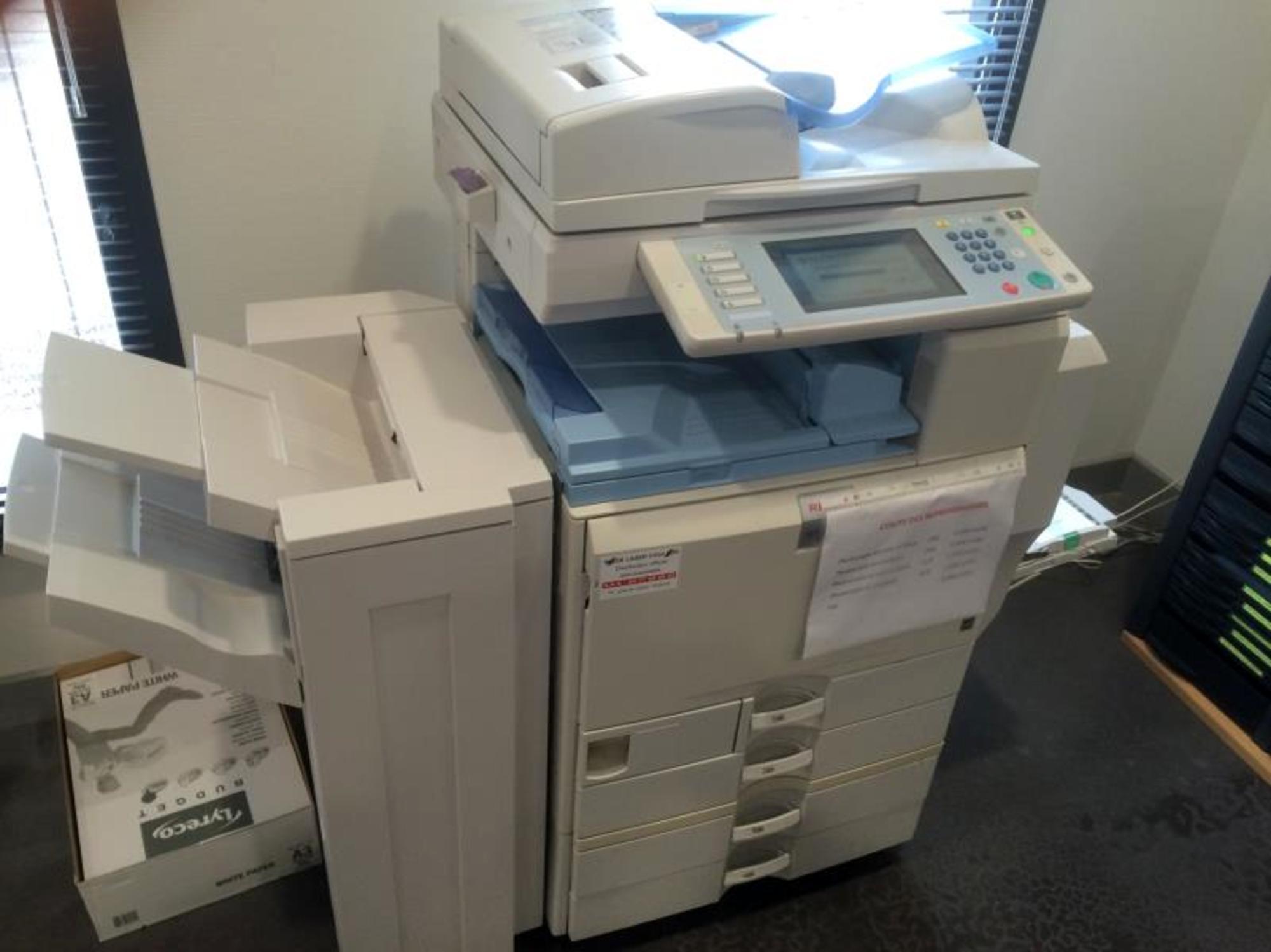photocopieur couleur imprimante fax scanner copieur. Black Bedroom Furniture Sets. Home Design Ideas