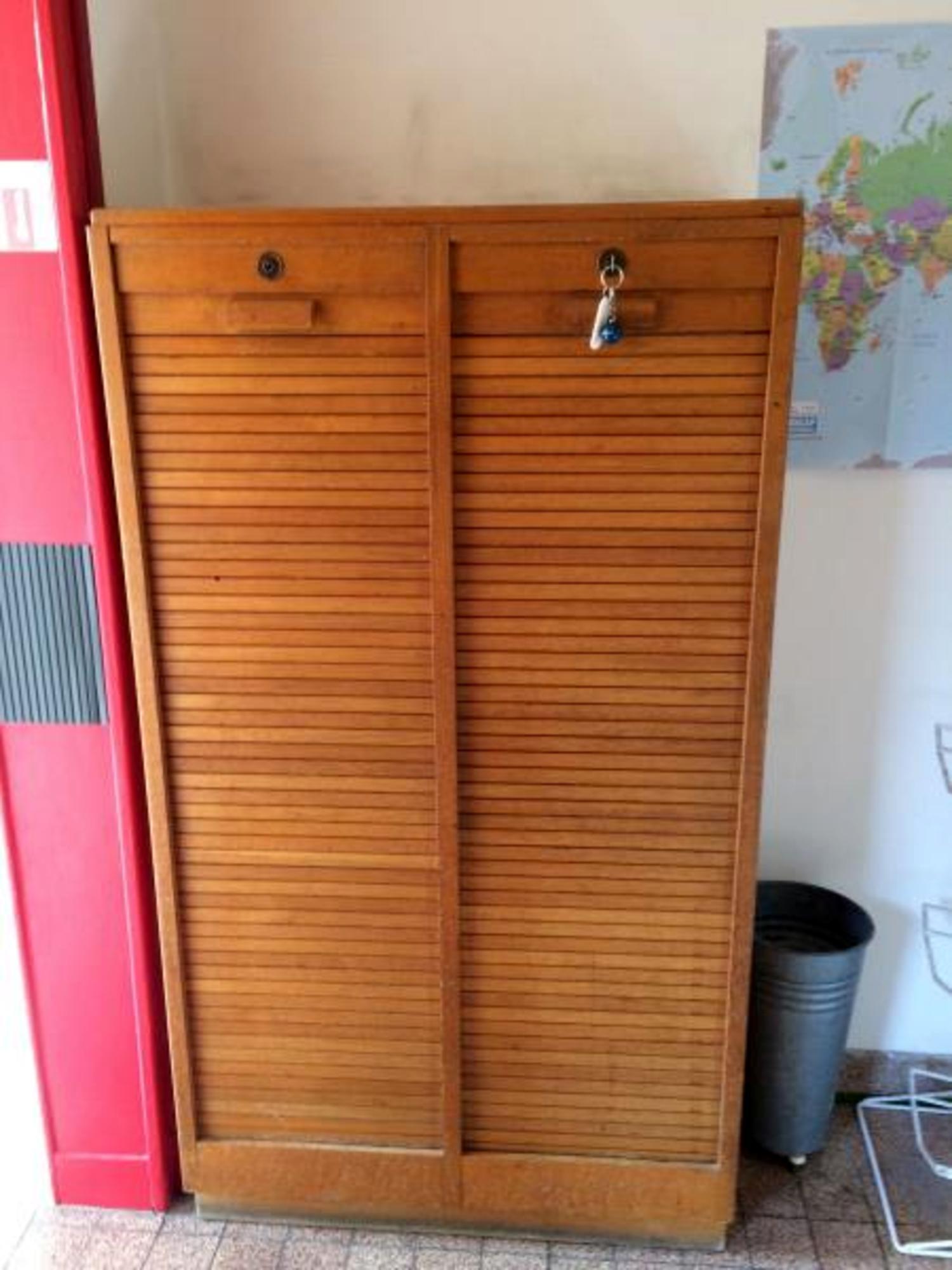 meuble classeur bois rangement d 39 occasion aux ench res agorastore. Black Bedroom Furniture Sets. Home Design Ideas