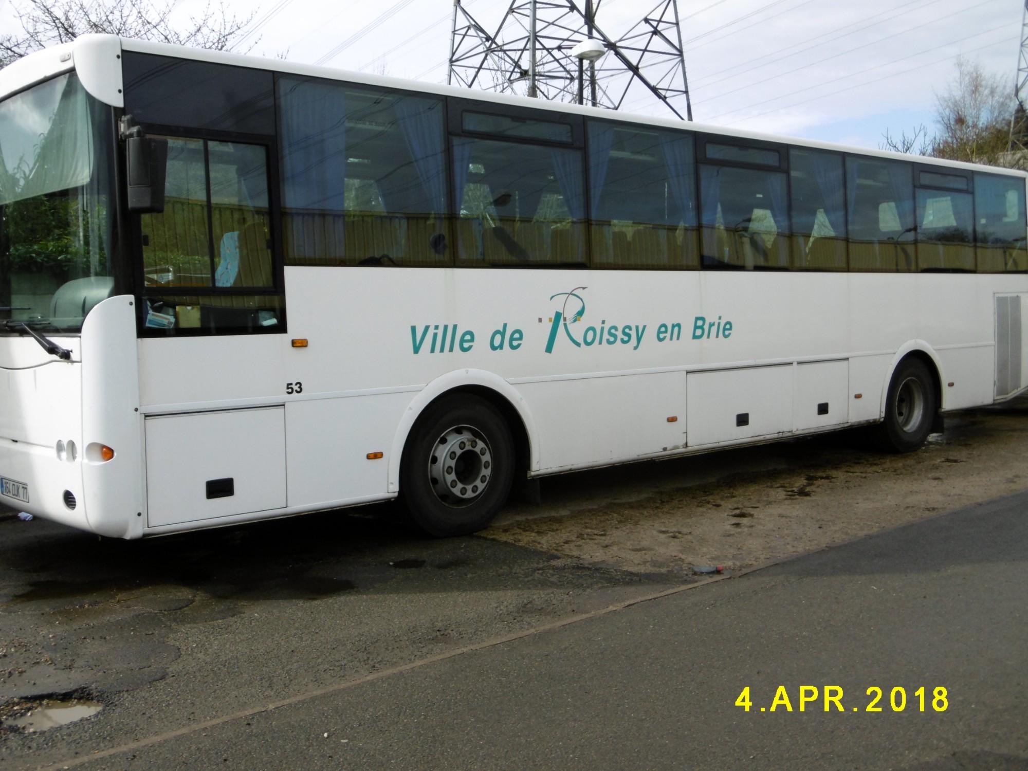autocar car bus d 39 occasion aux ench res agorastore. Black Bedroom Furniture Sets. Home Design Ideas