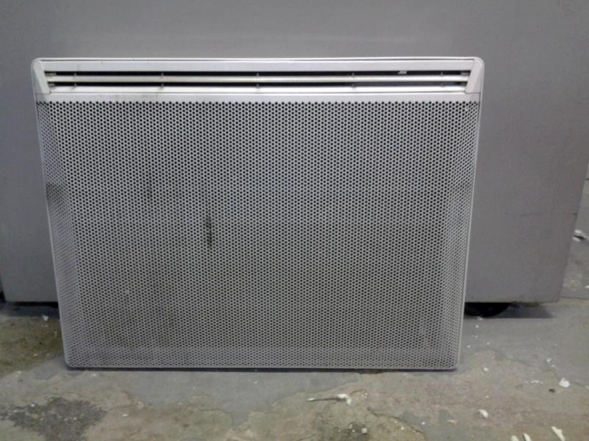 lot de 40 radiateurs lectriques autres mobiliers d 39 occasion aux ench res agorastore. Black Bedroom Furniture Sets. Home Design Ideas