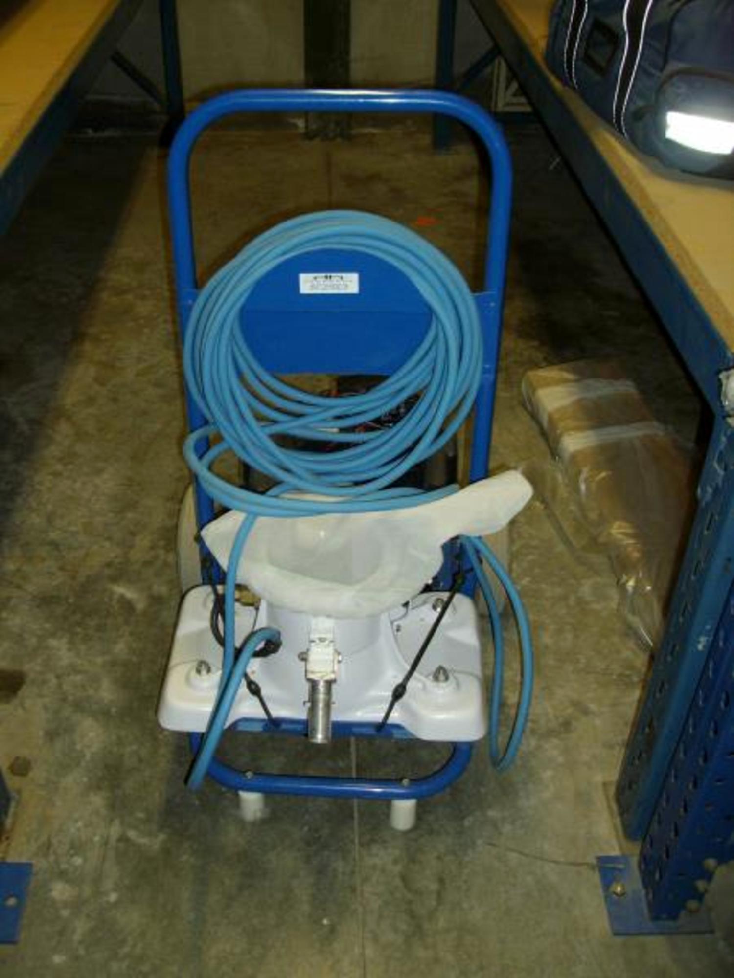 Balai aspirateur pour nettoyage fontaine et piscine for Aspirateur piscine occasion