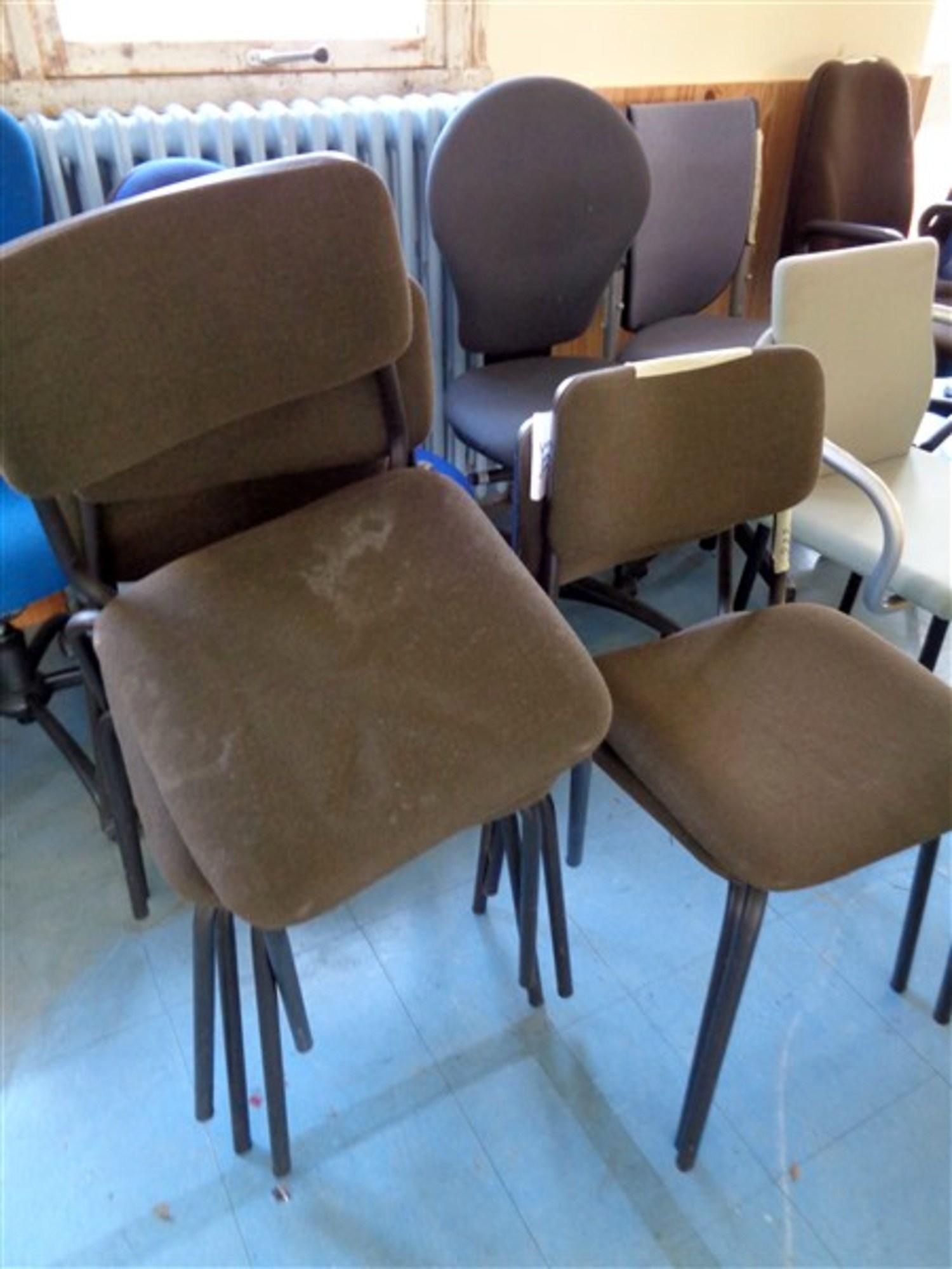 lot de 6 chaises visiteur 4 pieds chaise d 39 occasion aux ench res agorastore. Black Bedroom Furniture Sets. Home Design Ideas