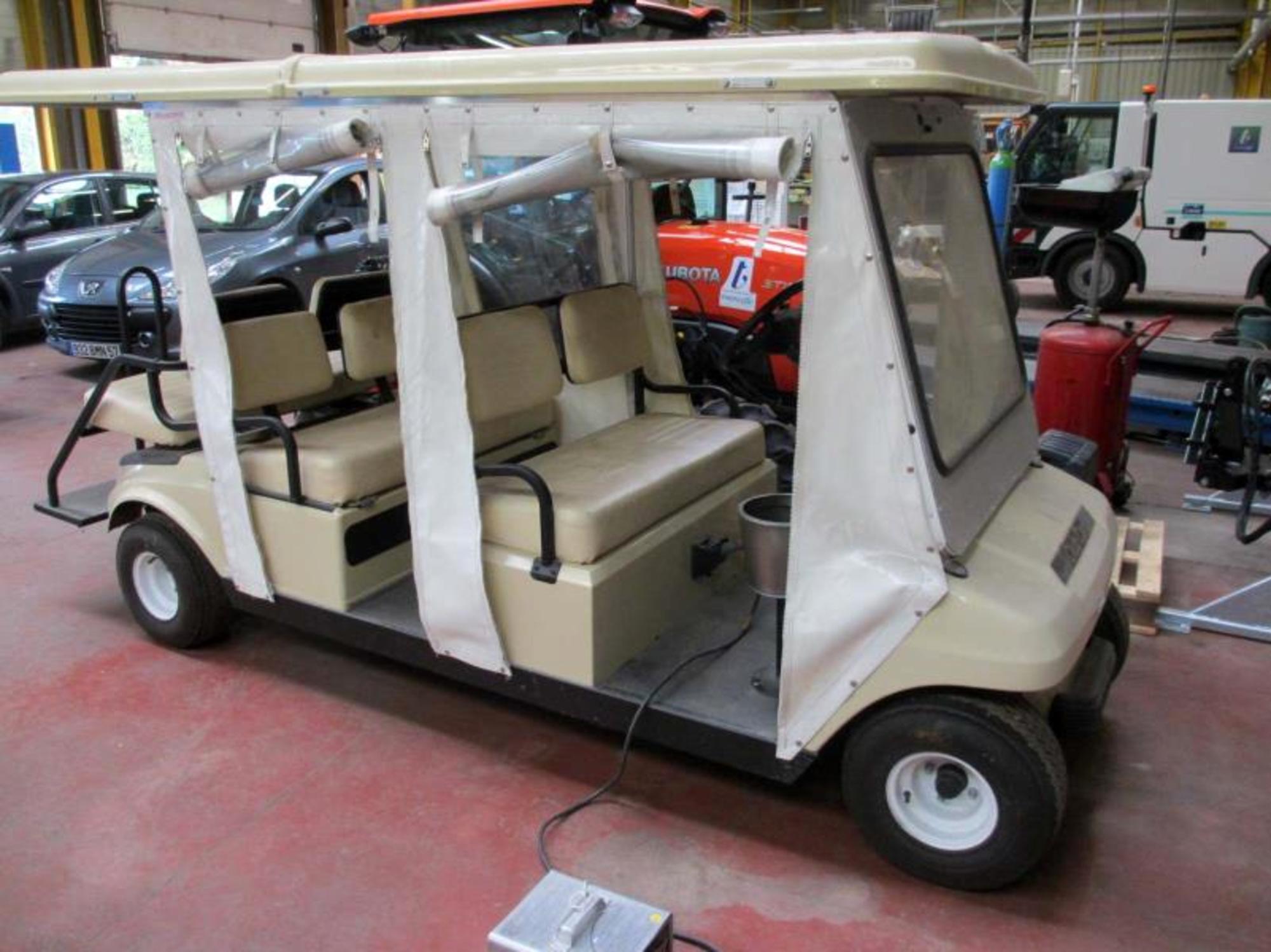 voiturette lectrique golf 6 places autres v hicules d. Black Bedroom Furniture Sets. Home Design Ideas