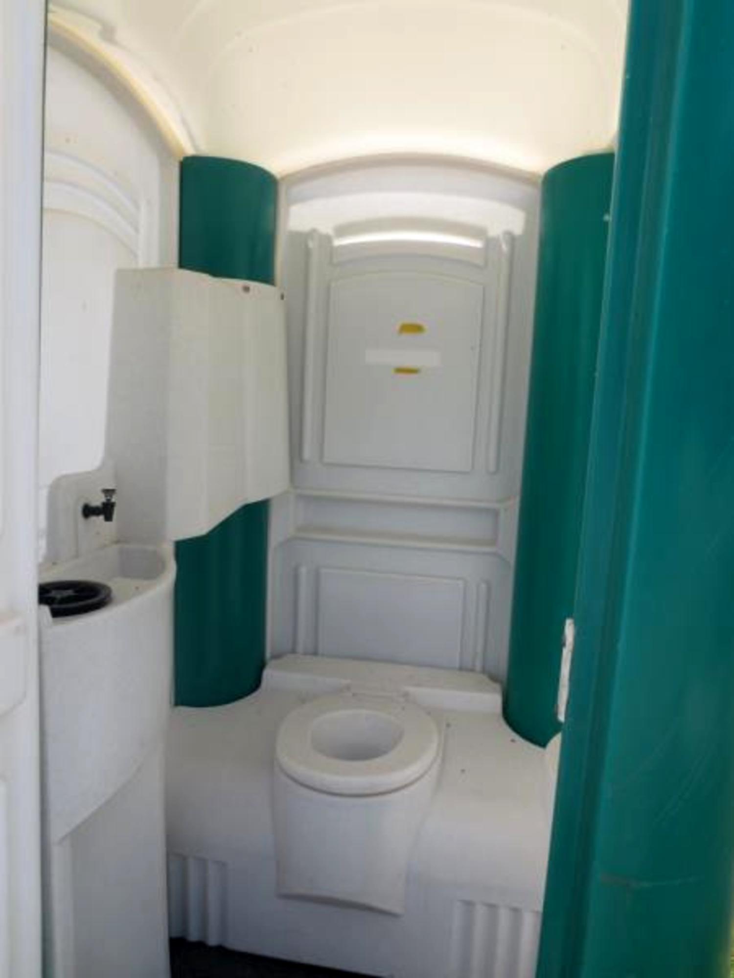 toilette chimique de chantier 62201 toilette id es. Black Bedroom Furniture Sets. Home Design Ideas