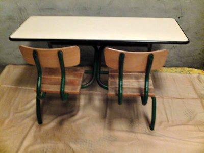 pupitre double mobilier scolaire d 39 occasion aux ench res agorastore. Black Bedroom Furniture Sets. Home Design Ideas