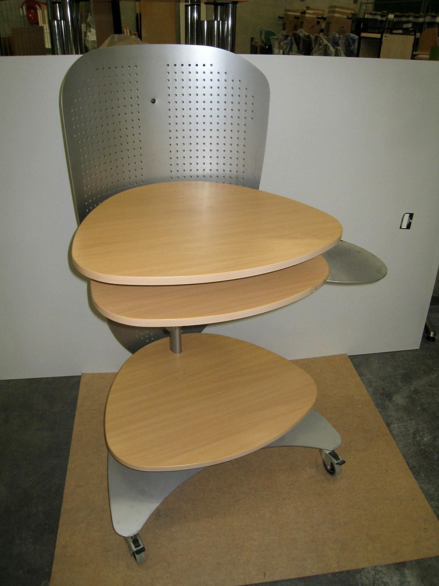 tour informatique autres mobiliers d 39 occasion aux ench res agorastore. Black Bedroom Furniture Sets. Home Design Ideas