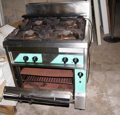 une cuisiniere electrique thirode occasion equipement de cuisine d 39 occasion aux ench res. Black Bedroom Furniture Sets. Home Design Ideas