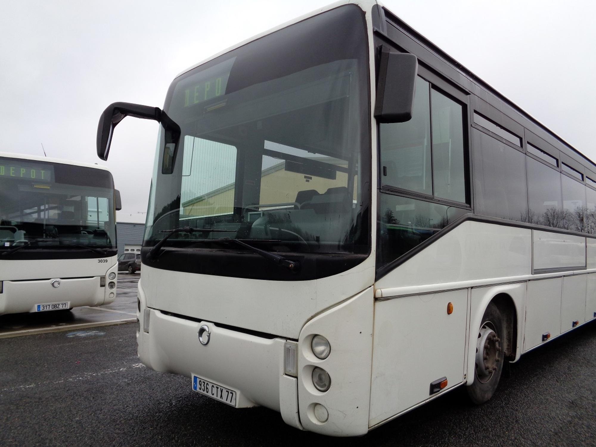 irisbus ares 19652 car bus d 39 occasion aux ench res agorastore. Black Bedroom Furniture Sets. Home Design Ideas