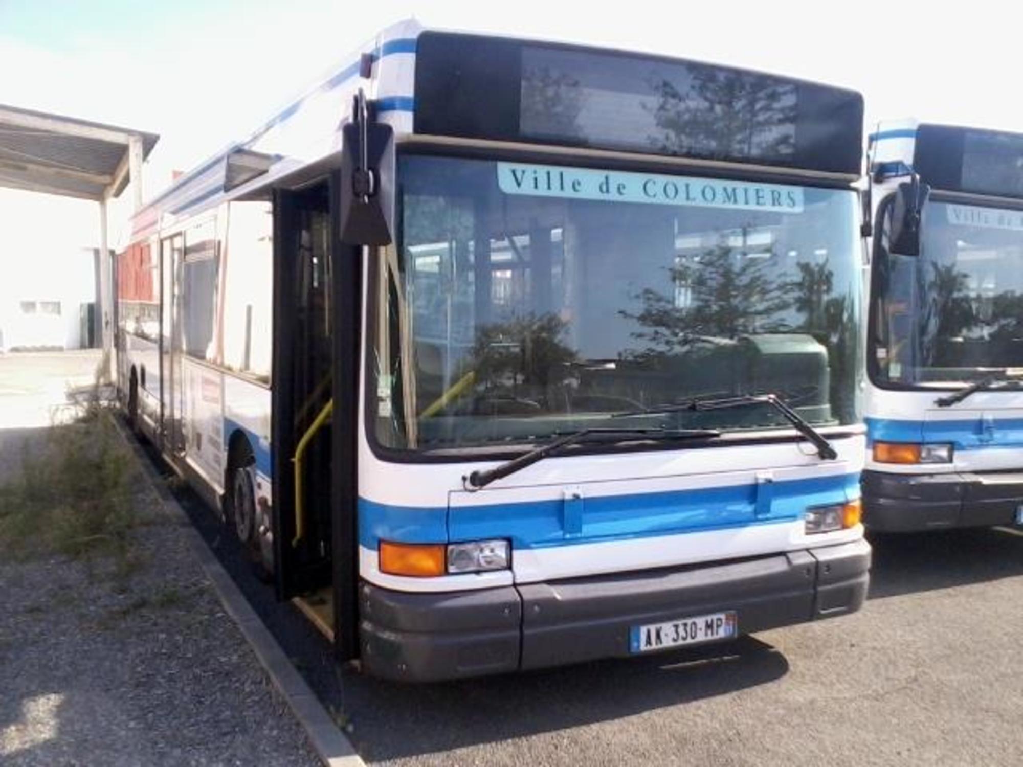 bus heuliez gx317 ak330mp car bus d 39 occasion aux ench res agorastore. Black Bedroom Furniture Sets. Home Design Ideas