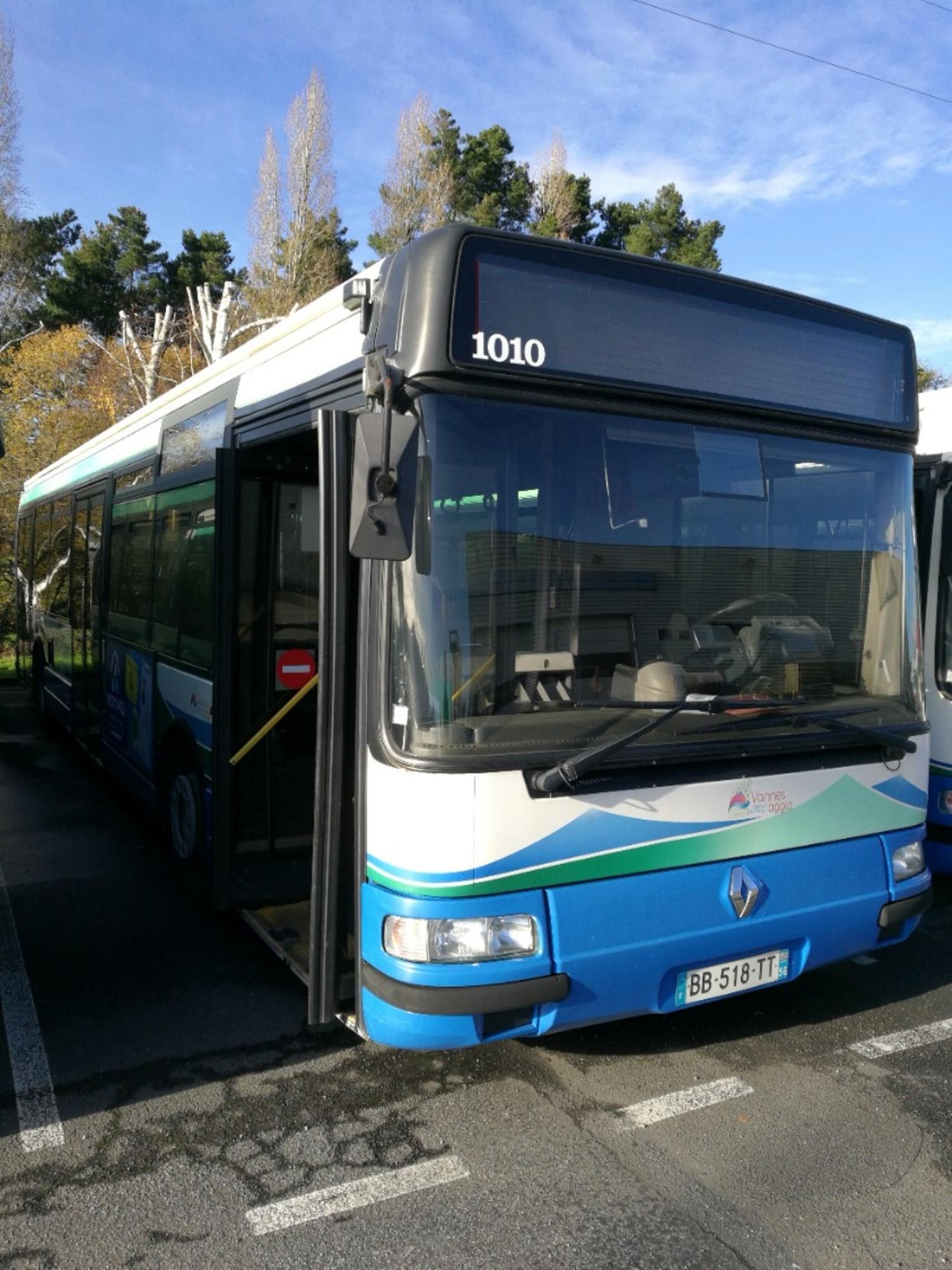 renault agora s 1010 car bus d 39 occasion aux ench res agorastore. Black Bedroom Furniture Sets. Home Design Ideas
