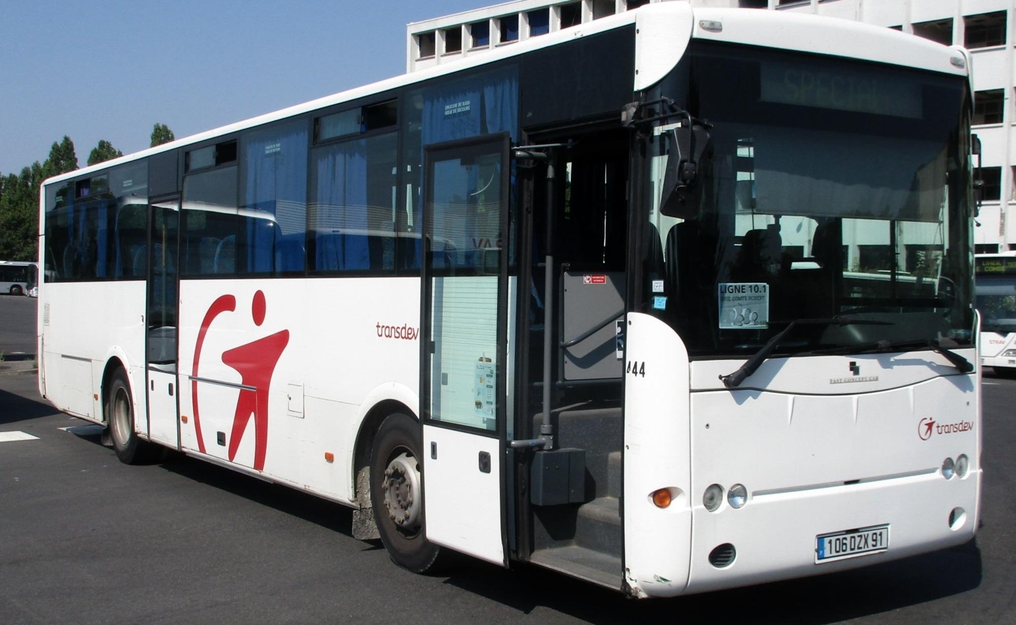 Fast scoler 3 19000 444 car bus d 39 occasion aux ench res agorastore - Garage solidaire essonne ...
